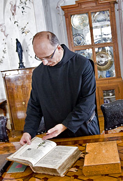 szerzetes közös kenőcs