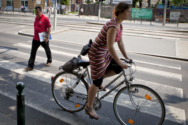 Kerékpár kötelező tartozékai köhém