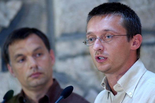 így építkezett Orbán Felfedezettje Rogán Antal Pályájának Titkos