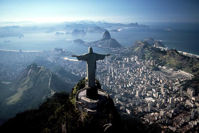 ef057eee45 A Krisztus-szobor a Corcovadón Rio de Janeiróban