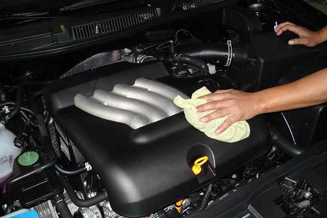 Motortér tisztítás gőzzel