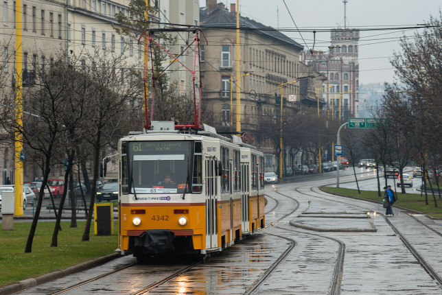 A 61 Es VillamosForrs Budapesti Kzlekedesi Kzpont
