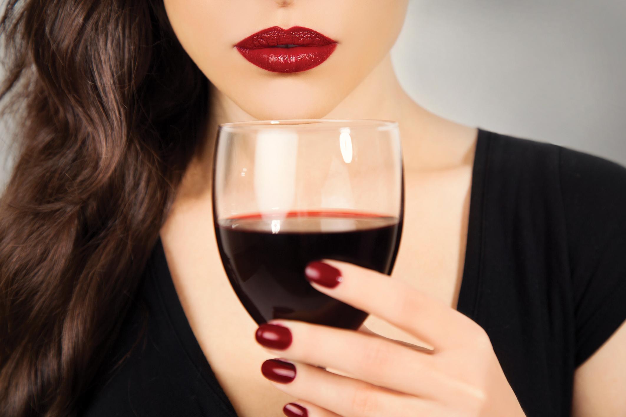 Nem leszünk egészségesebbek a mérsékelt alkoholfogyasztástól