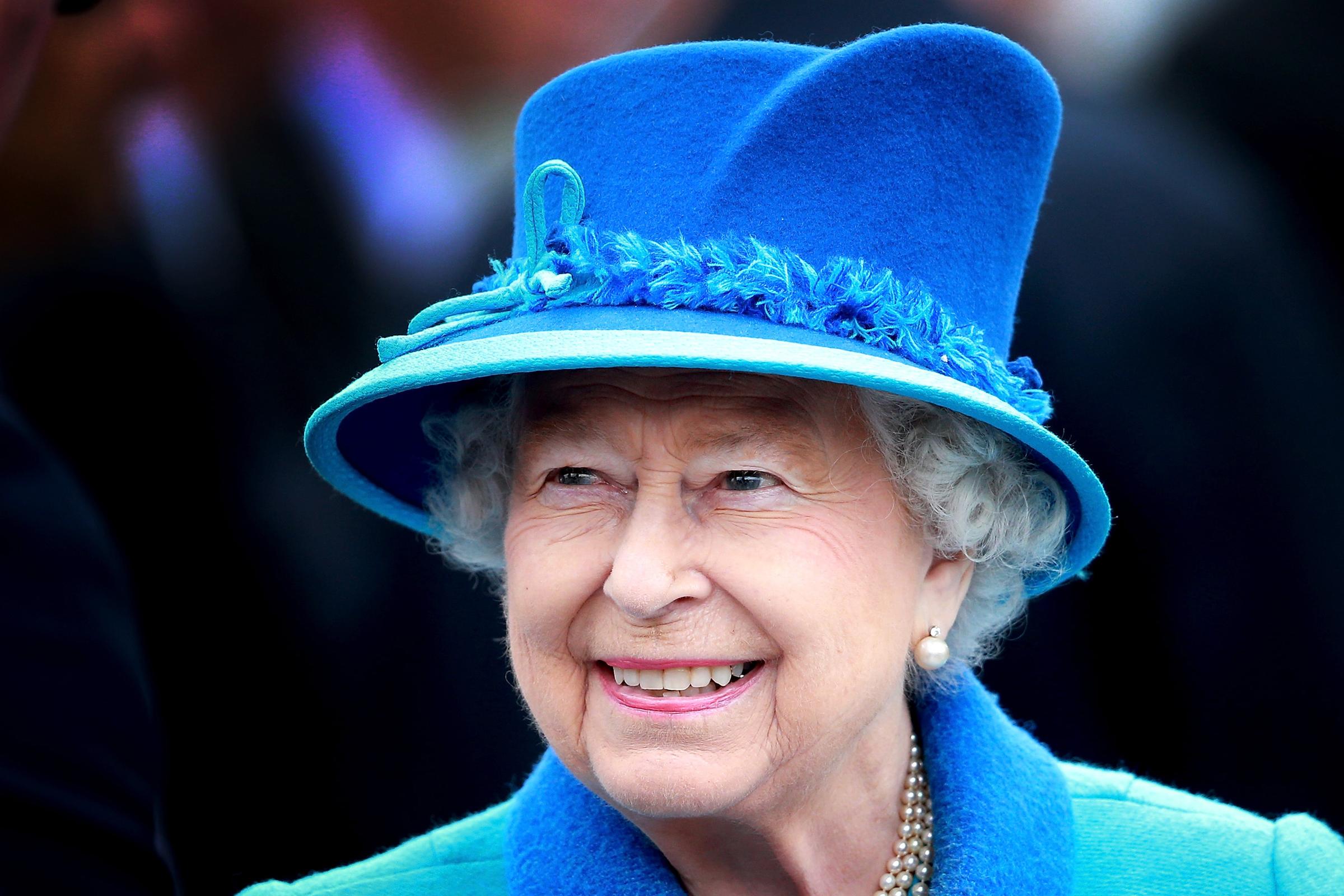 74012e1bba Kinyomoztuk a 91 éves Erzsébet királynő sminktitkait