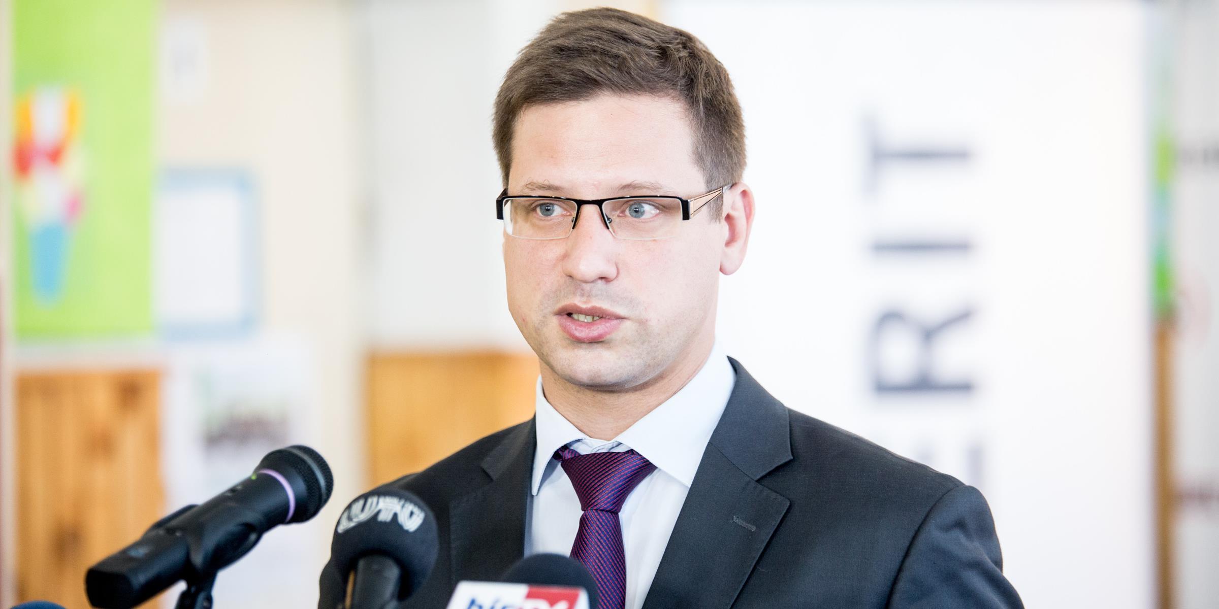 Gulyás Gergely: Óriási a vasárnapi parlamenti választás tétje