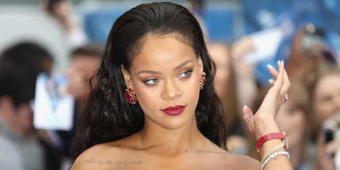 Rihanna legutóbbi fotója zavarba ejtő  vagy ennyire lefogyott c79612f001