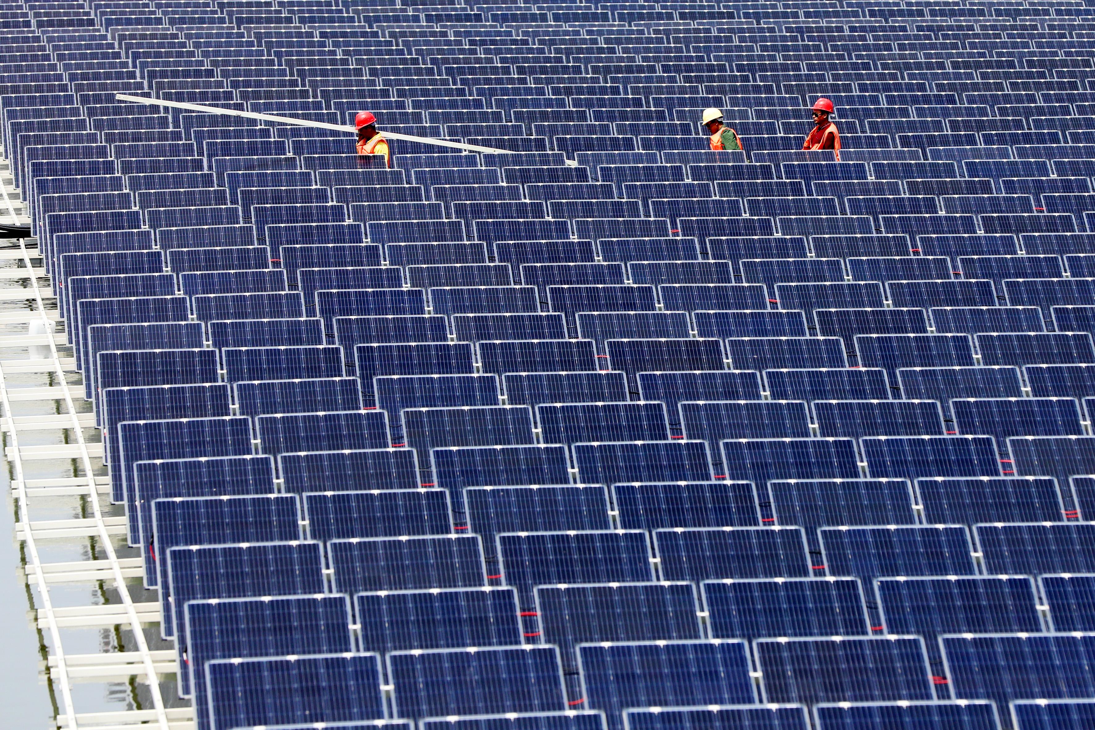 5482a48ae3 Elindult az ország legnagyobb naperőműve