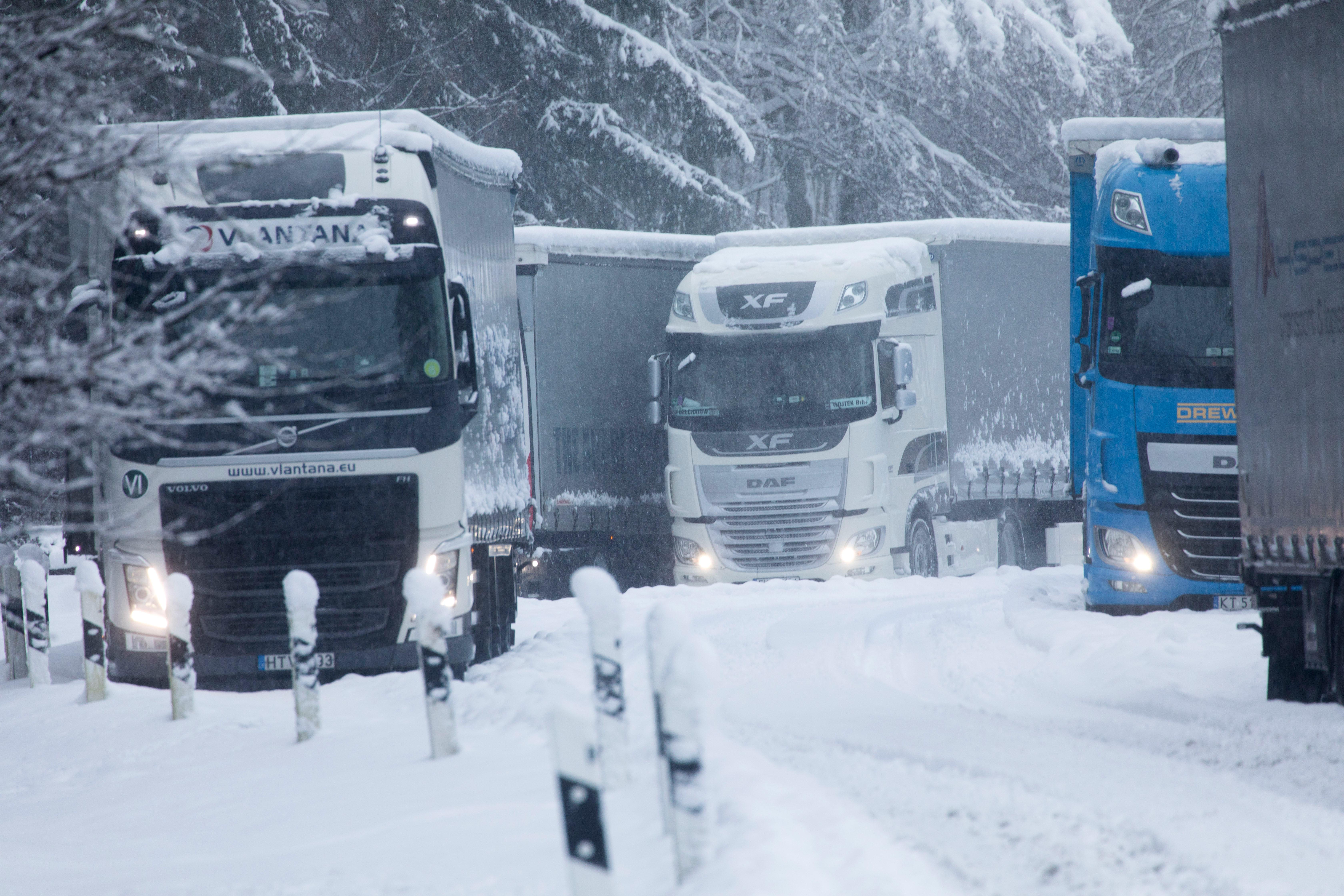 Közlekedési káoszt okozott a havazás Bajorországban b85491129d
