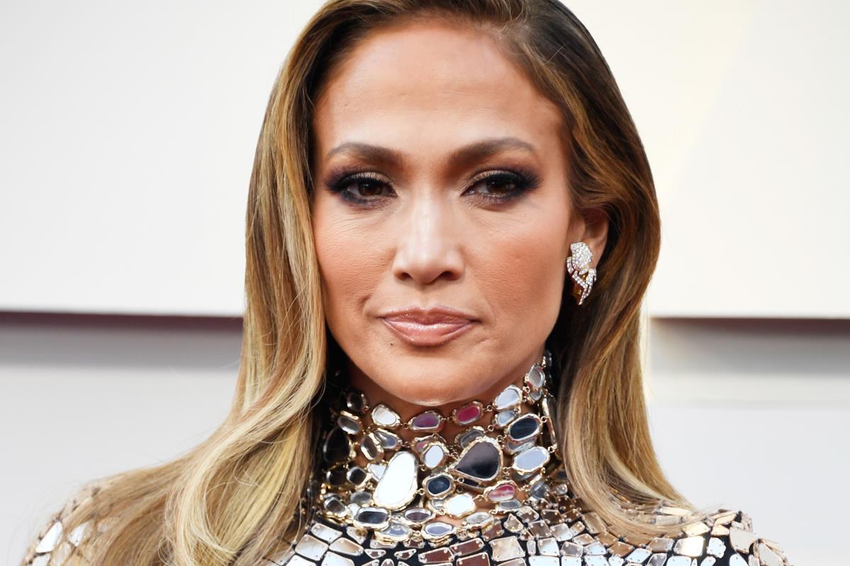 a50802f248d9 Jennifer Lopez 49 évesen úgy néz ki, mint egy húszéves – Fotó