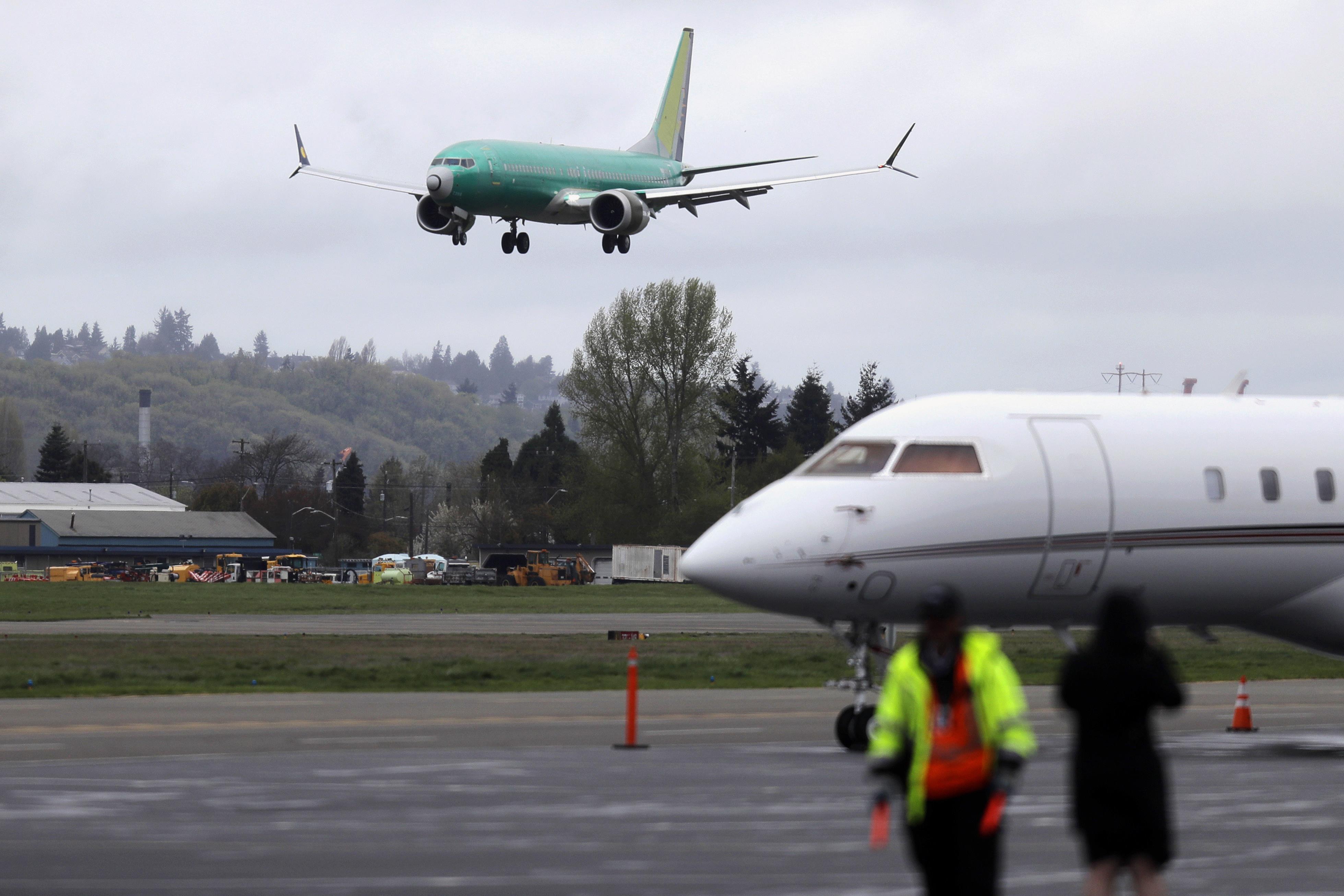 0b6b701984df Újra a levegőben néhány problémás Boeing-gép, miközben perlik a céget