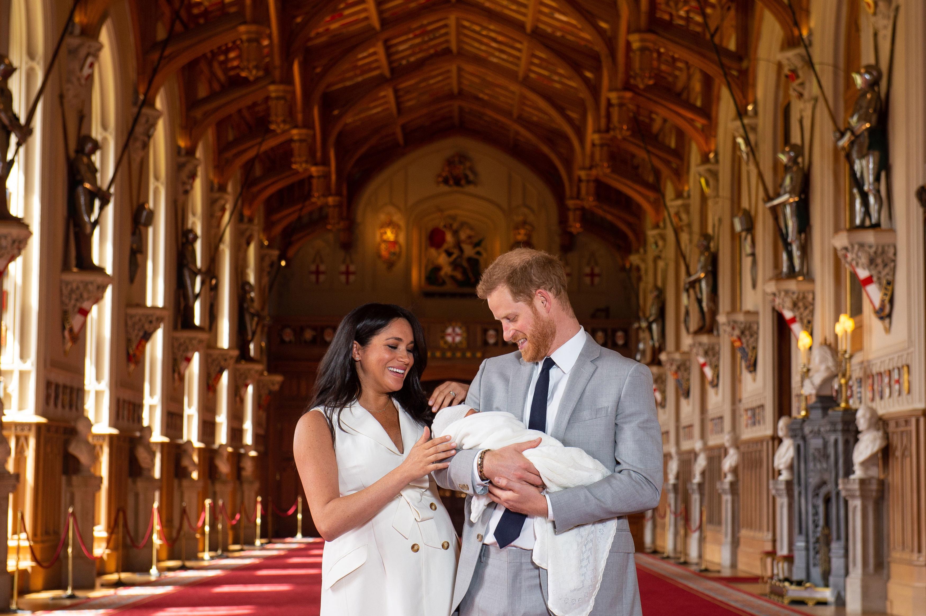 c87c3928c3 Harry herceg és Meghan hercegné gyermekükkel együtt máris utazni készülnek