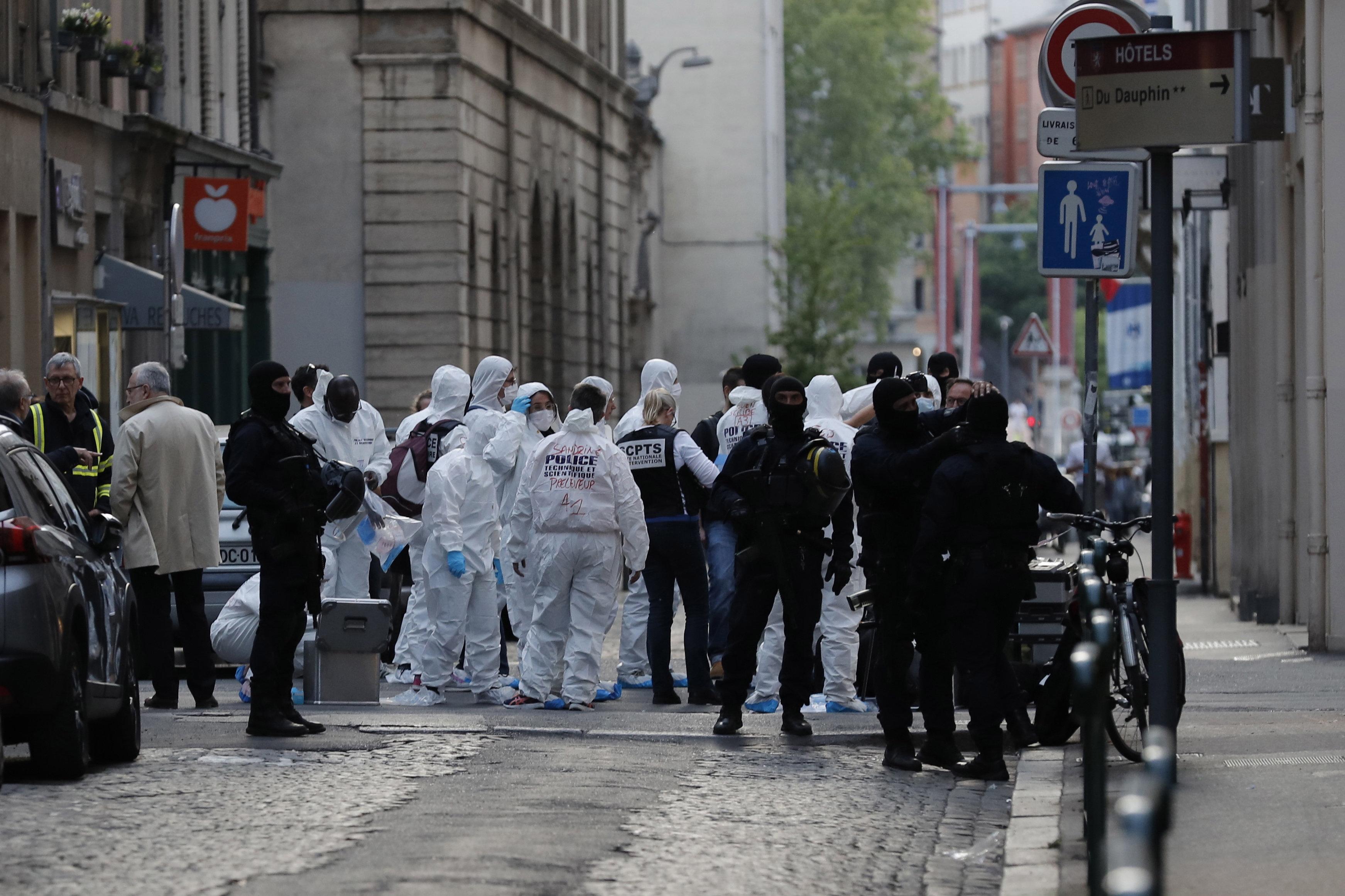 be8da38751 Négy embert fogtak el a lyoni merénylettel kapcsolatban, egy algériai férfi  robbantott