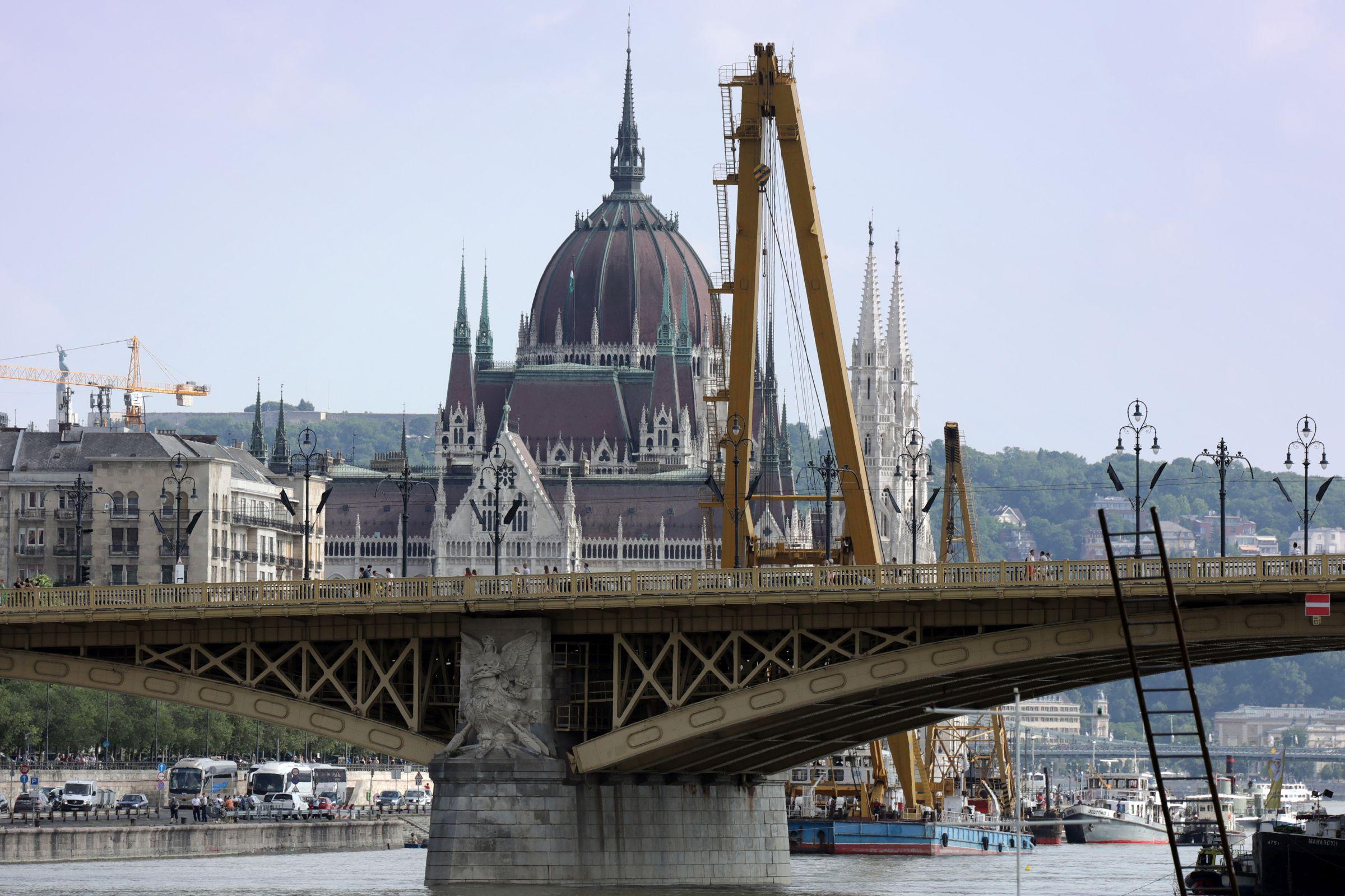b1d14cd770 Dunai hajóbaleset: belátható távolságban van a Hableány kiemelése