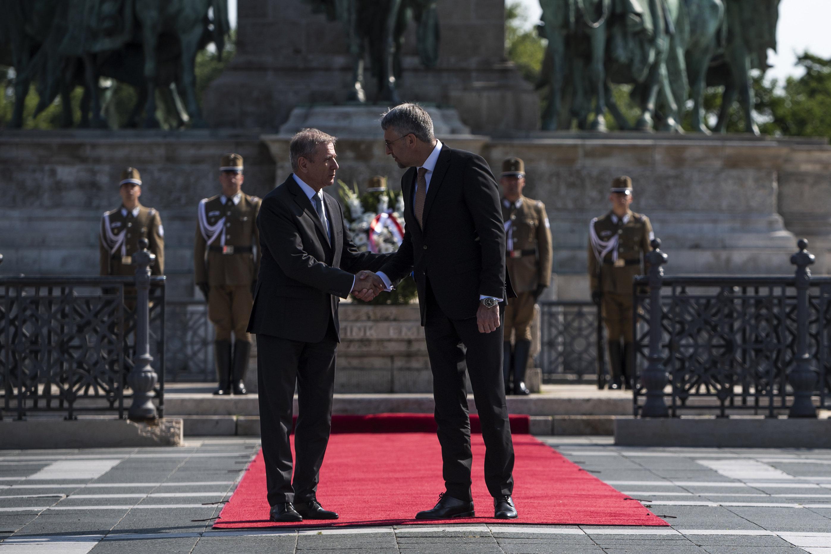 fd09c98c1ee8 Cseh-magyar védelmi együttműködésről tárgyaltak Budapesten