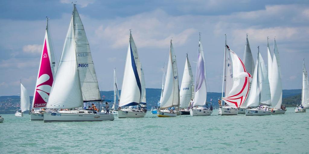 Hat-hétszáz hajót várnak a szervezők az 51. Kékszalag Nagydíjra