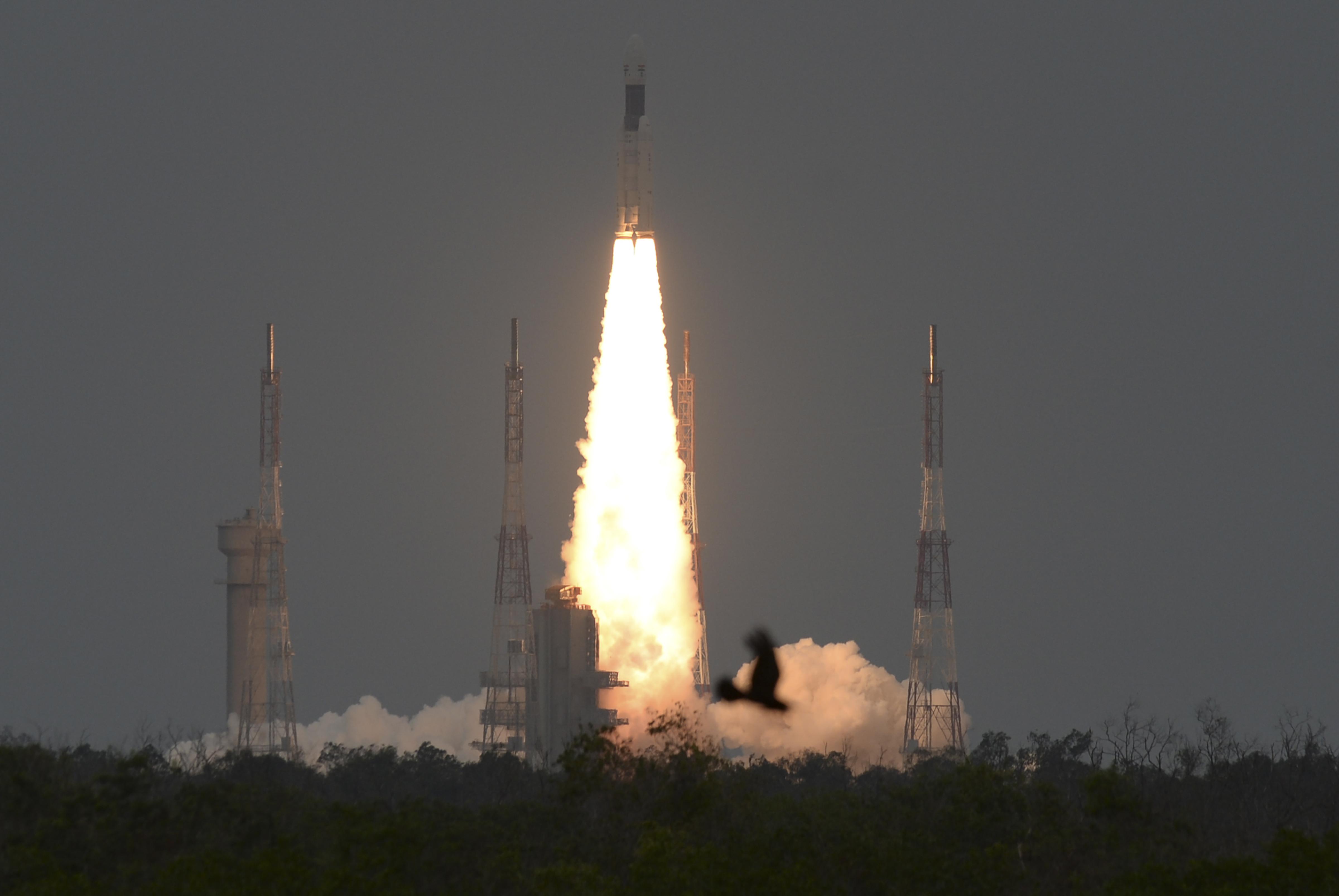 c5d0acc58 Föld körüli pályára állították az indiai holdszondát