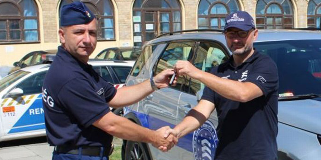 Nem semmi, milyen luxusautókat kaptak a magyar rendőrök