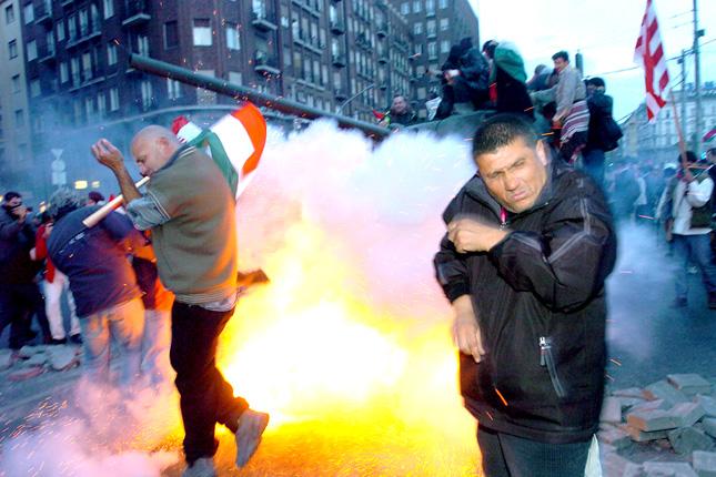 Varga Judit: A 2006-os őszi rendőri fellépések 53 áldozata kap kártérítést