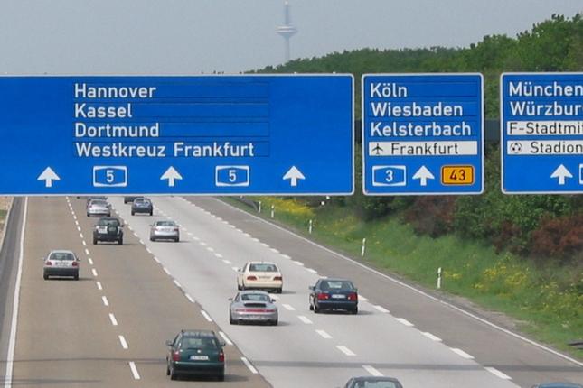 Mitfahrgelegenheitsinserat des Fahrers MuchaTrans zwischen Mezőkövesd und Wiesbaden