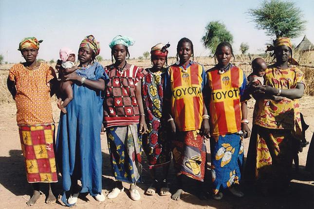 nő, látszó kis tűzoltó ouagadougou
