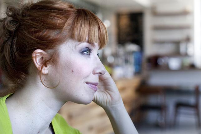 Egy szál semmiben vonaglik az elképesztően dögös Irina Shayk