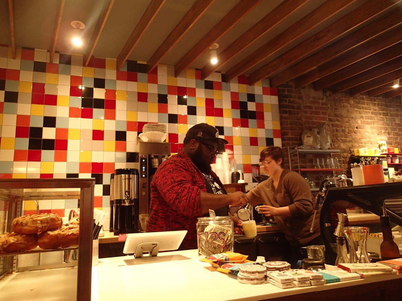 kávézó bagel randevú