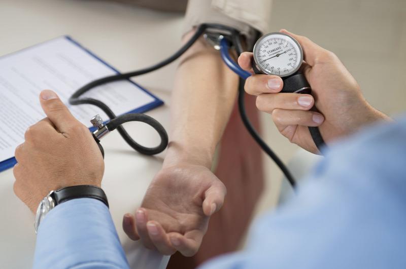szülés közben magas vérnyomás