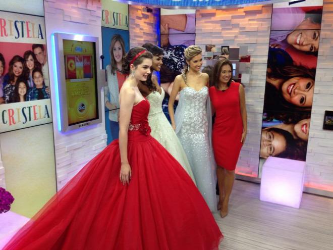 Mostantól igazi hercegnő lehetsz  végre itt a Jégvarázs esküvői ruha! e4c4f1d8d8