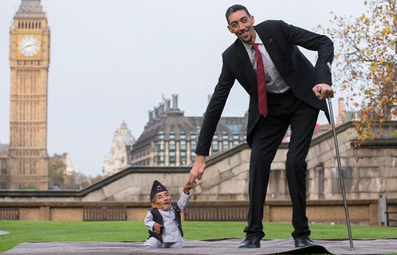 találkozó között a legnagyobb és a legkisebb ember