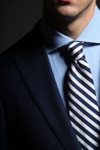 788a7b20a3 Van, akinek még mindig a nyakkendő a névjegye