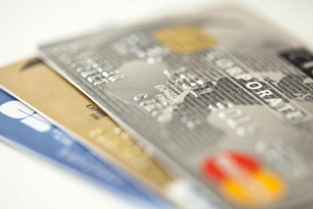 Lehet spórolni hitelkártyával  Mennyit  21483900e7