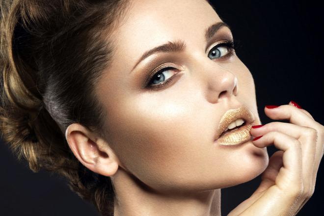 10 beauty-művelet, amit egy nőnek 30 éves koráig ki kell