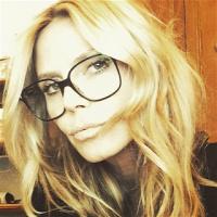 Dögös titkárnőszemüveg segíti Heidi Klum látását · Kontaktlencséről  szemüvegre váltott Rubint Réka fe6149e270