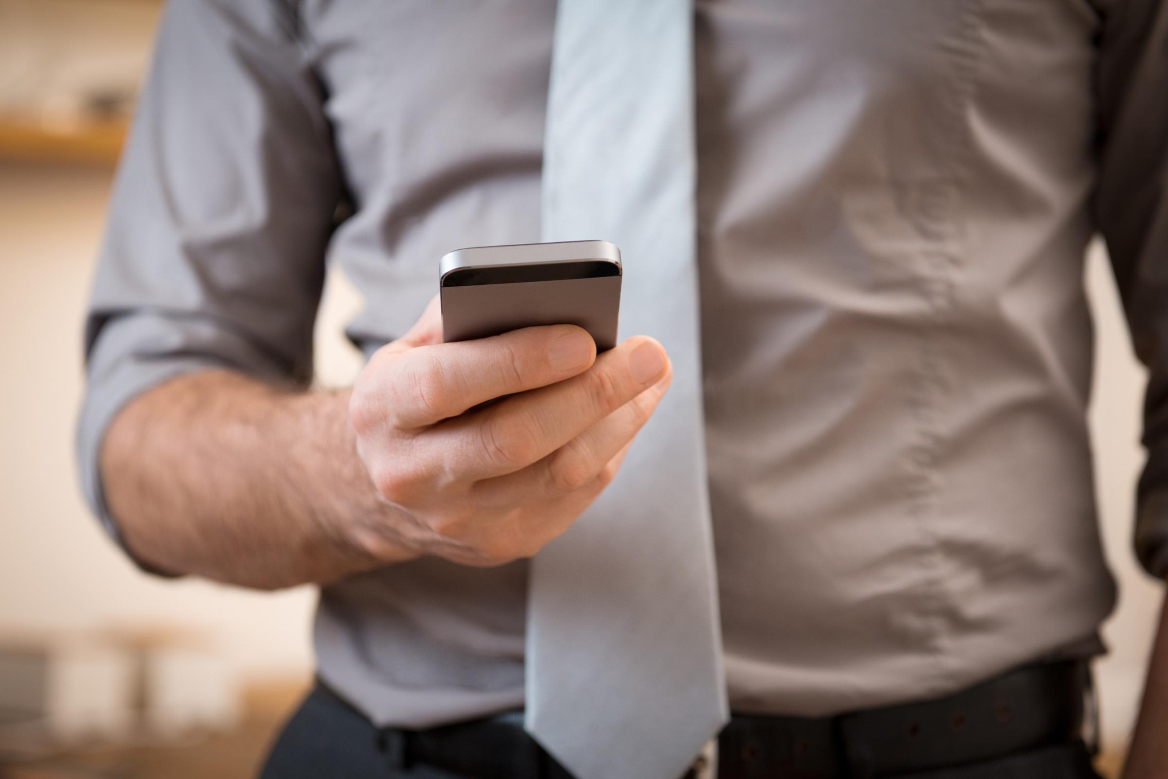 Teljesen ingyenes mobiltelefon randi