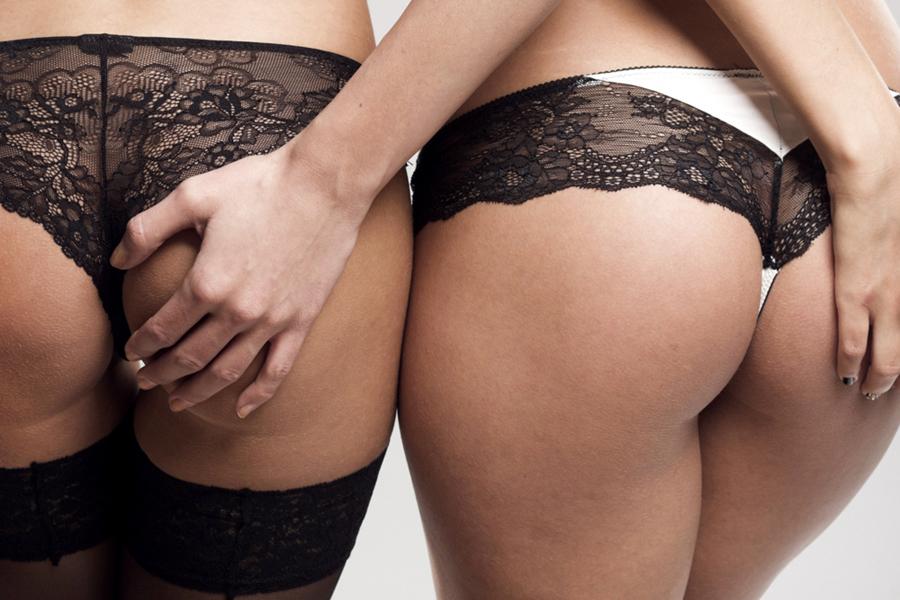 középkori bondage pornó leszbikus láb szex cső