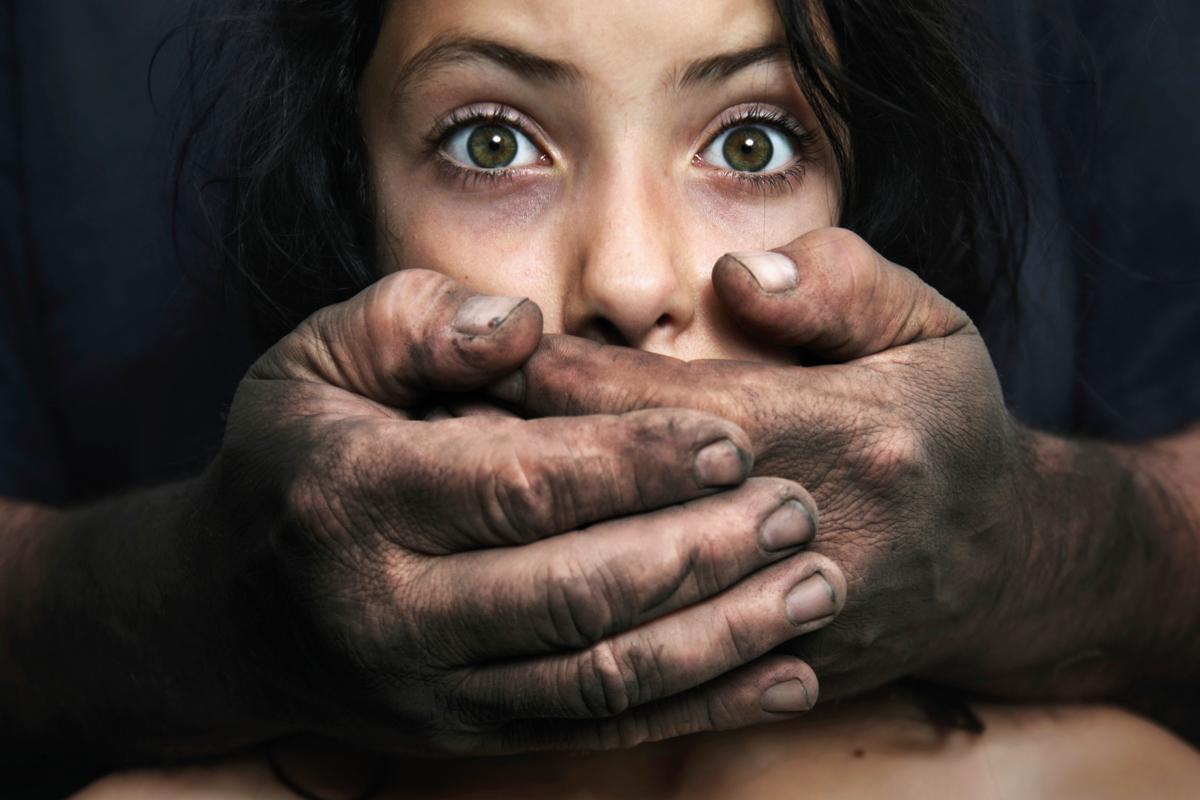 nemi játékok megerőszakolása