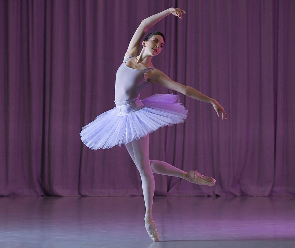 Uhrik Teodóra Liszt- és Kossuth-díjas koreográfus-táncművész ezúttal a 30Y.
