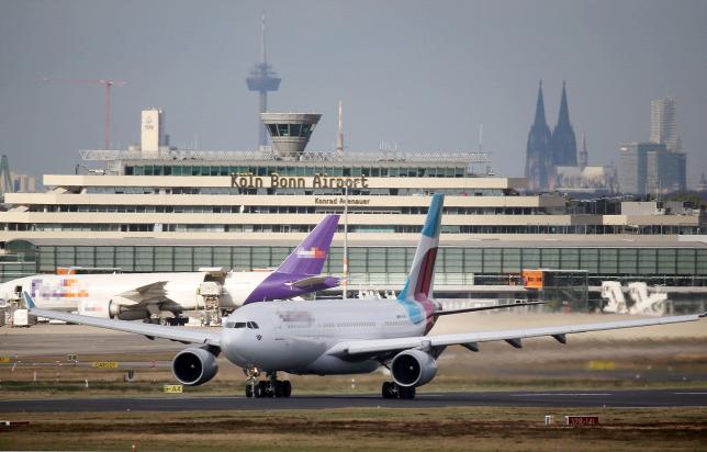 2181ea6e7ff4 Az Eurowings egyik A330-as gépe a kölni repülőtérenForrás: dpa  Picture-Alliance/AFP/Oliver Berg