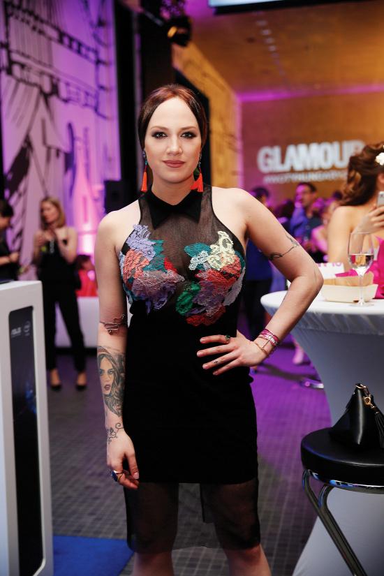 a53fdadf5d Tóth Gabi a Glamour-gálán egy színes csipkékkel játszó Sármán Nóra kreációt  viseltFotó: Polyák Attila/Origo