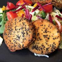 Roberto konyhája  fekete szezámmagos rántott padlizsán friss salátával -  recept 35a564e85b