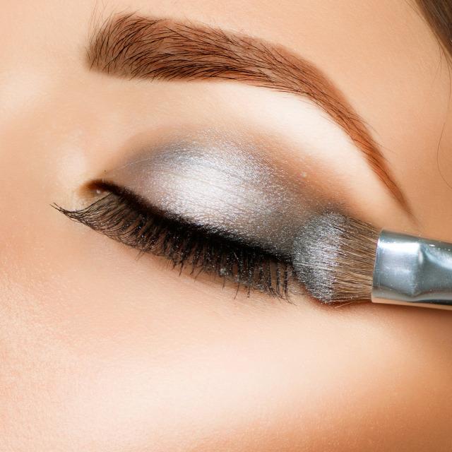 Metallic LookForrás  Shutterstock 073af95017