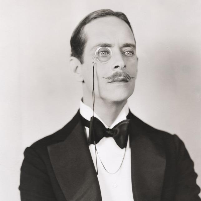 5a6b078df4 Az első világháború alatt a kackiás bajusz és elegáns férfiak divatja  került előtérbeForrás: Shutterstock