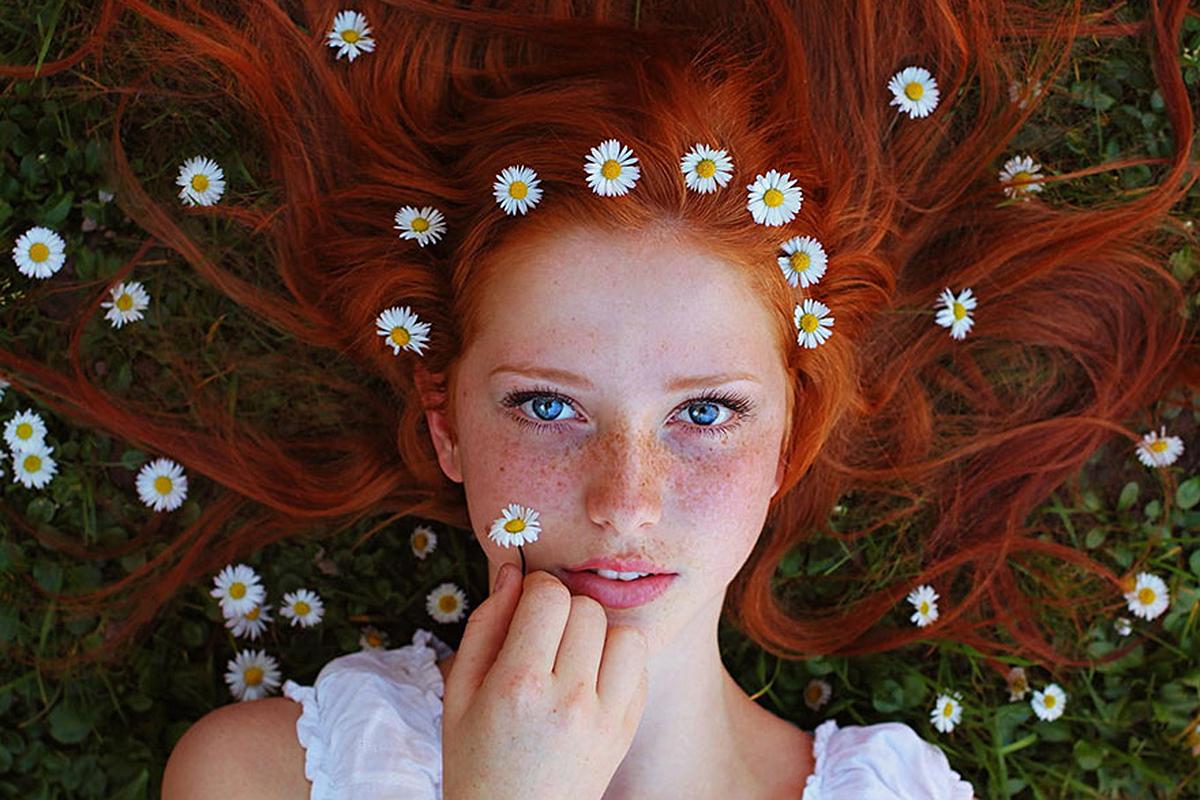 Randi vörös hajú nő