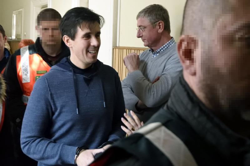 Gyurcsány Ferenc csalással vádolt, börtönben is ült ügyvédje újabb trükkel  próbálja megakasztani saját tárgyalását