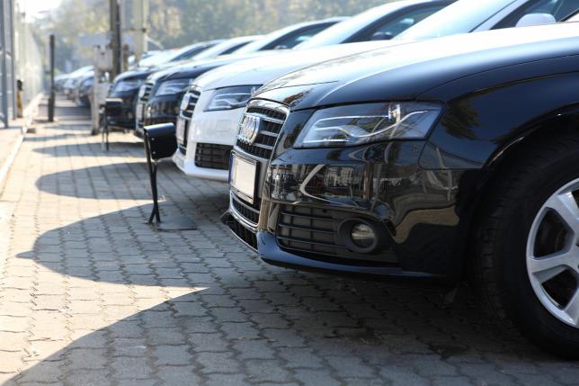 415541e398 Egyre több magyar használt autót visznek külföldre
