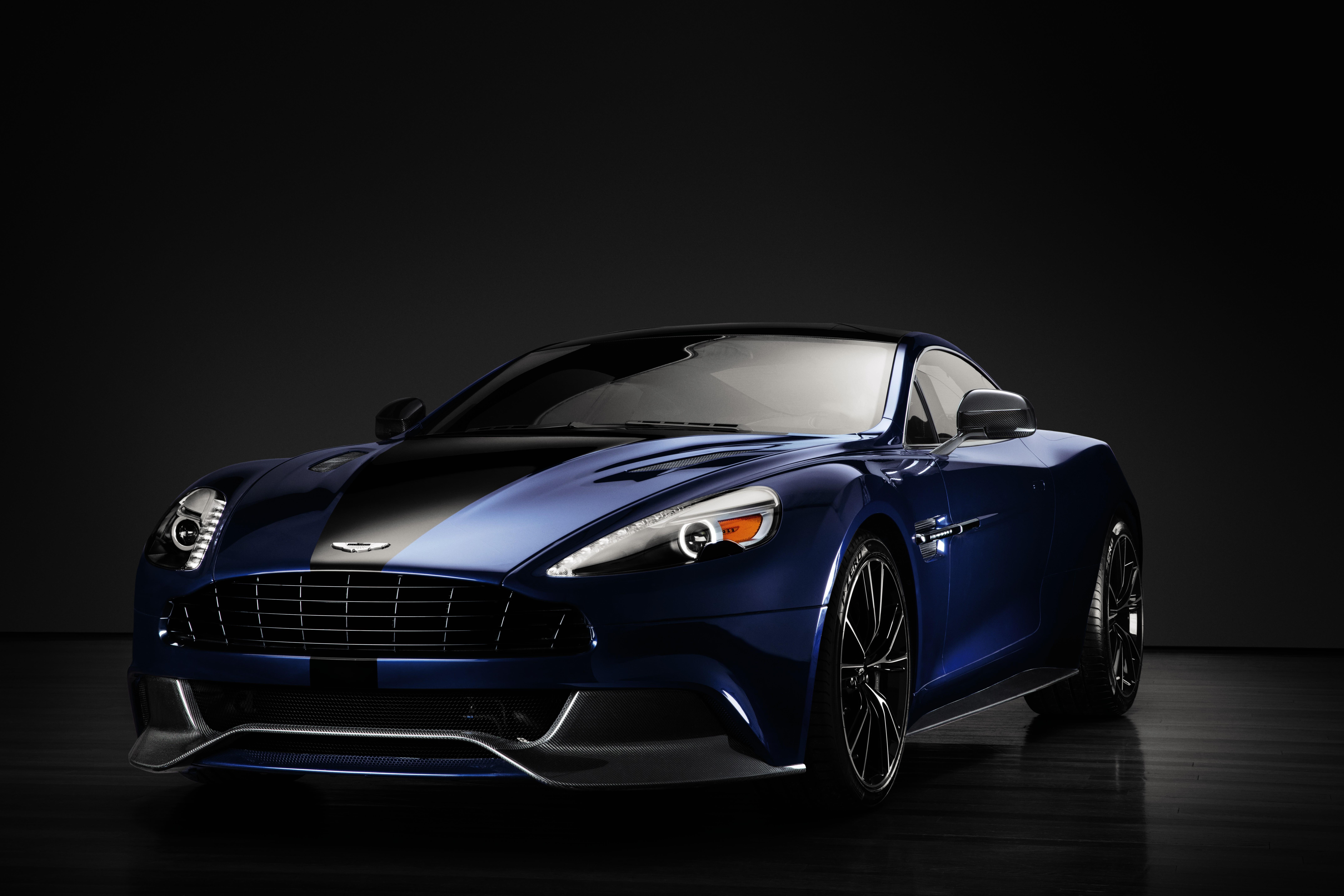 Elárverezik James Bond Gyönyörű Autóját
