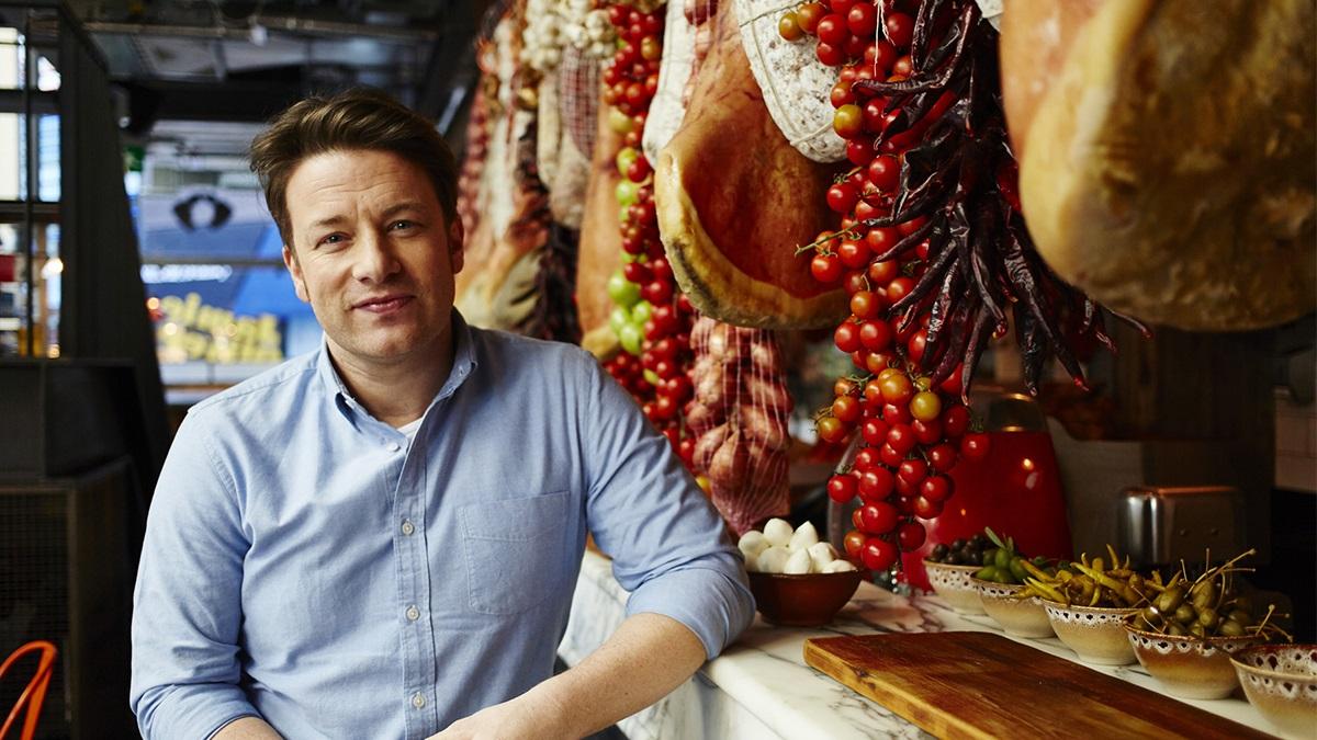 Jamie Oliver elborzasztotta a rajongóit ezzel a pizzával