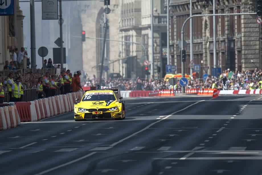 868913477e6f Megint versenyautók foglalják el Budapest belvárosát