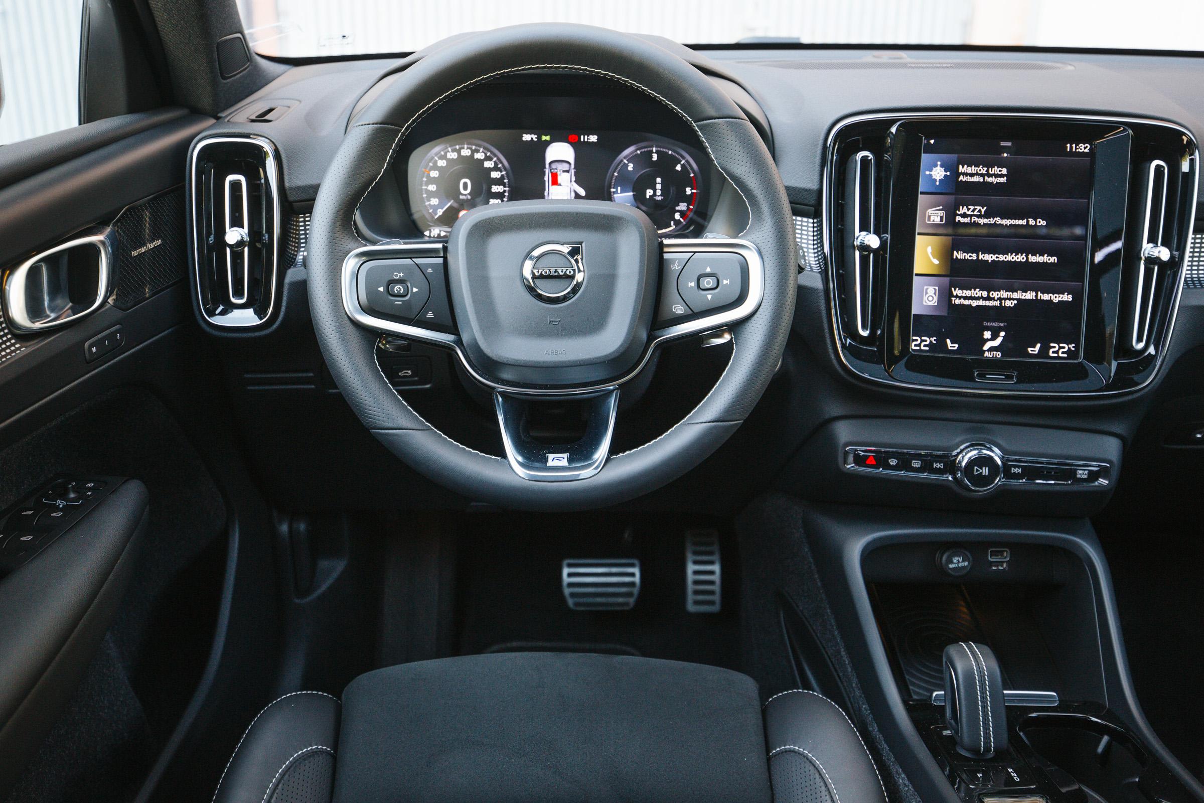 Volkswagen Tiguan Allspace - Volvo XC40 galéria