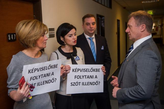 Fidesz-szavazók lepatkányozása: Bangónénak távoznia kell a közéletből